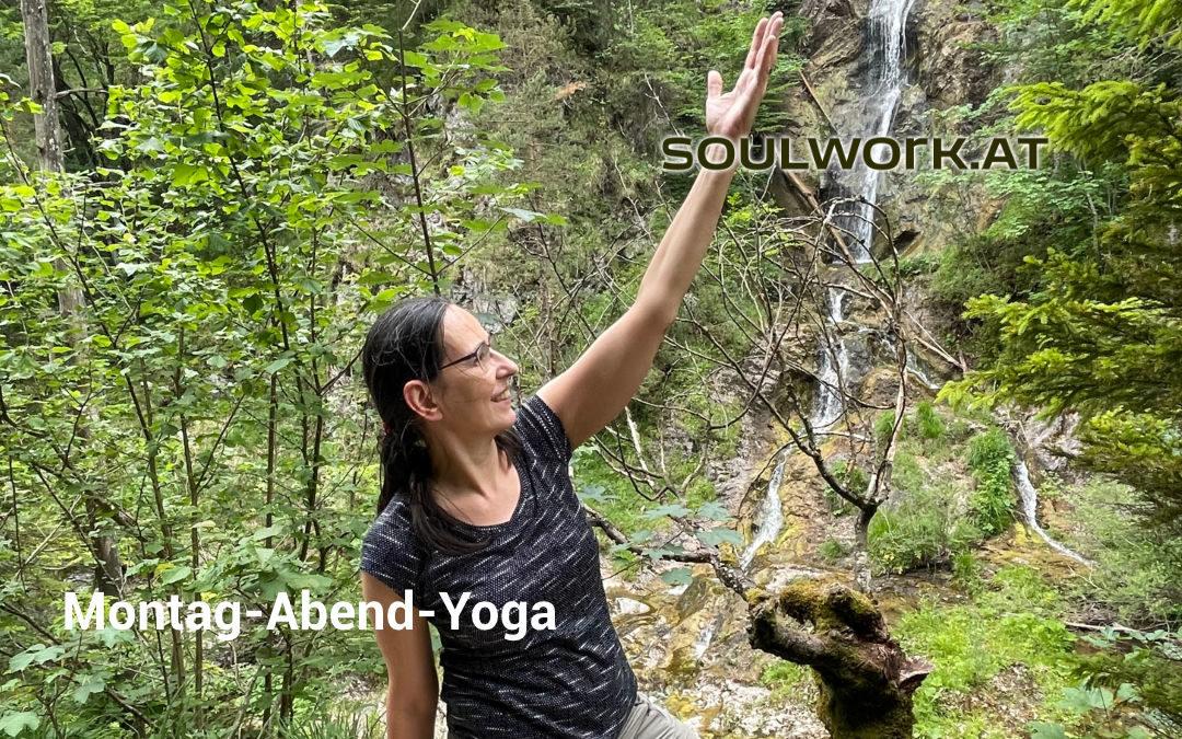 Montag Abend Yoga
